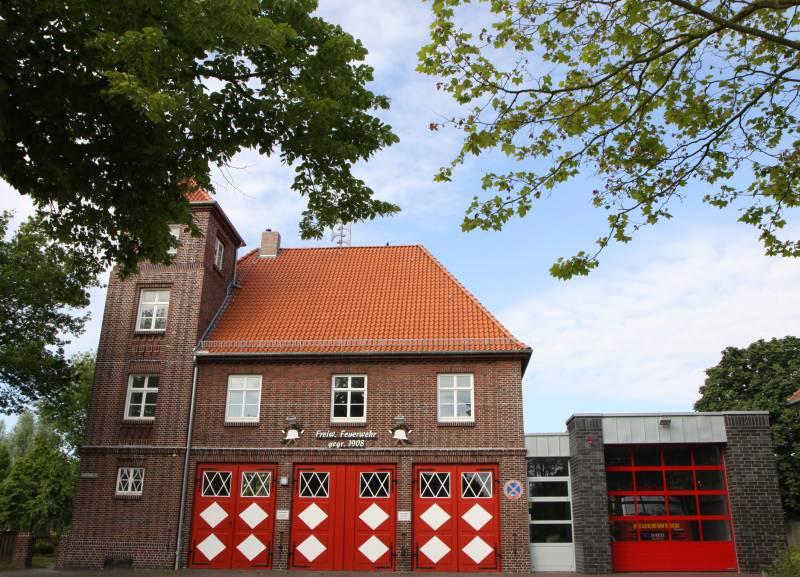 Feuerwehrgebäude Einswarden – vergrößern –